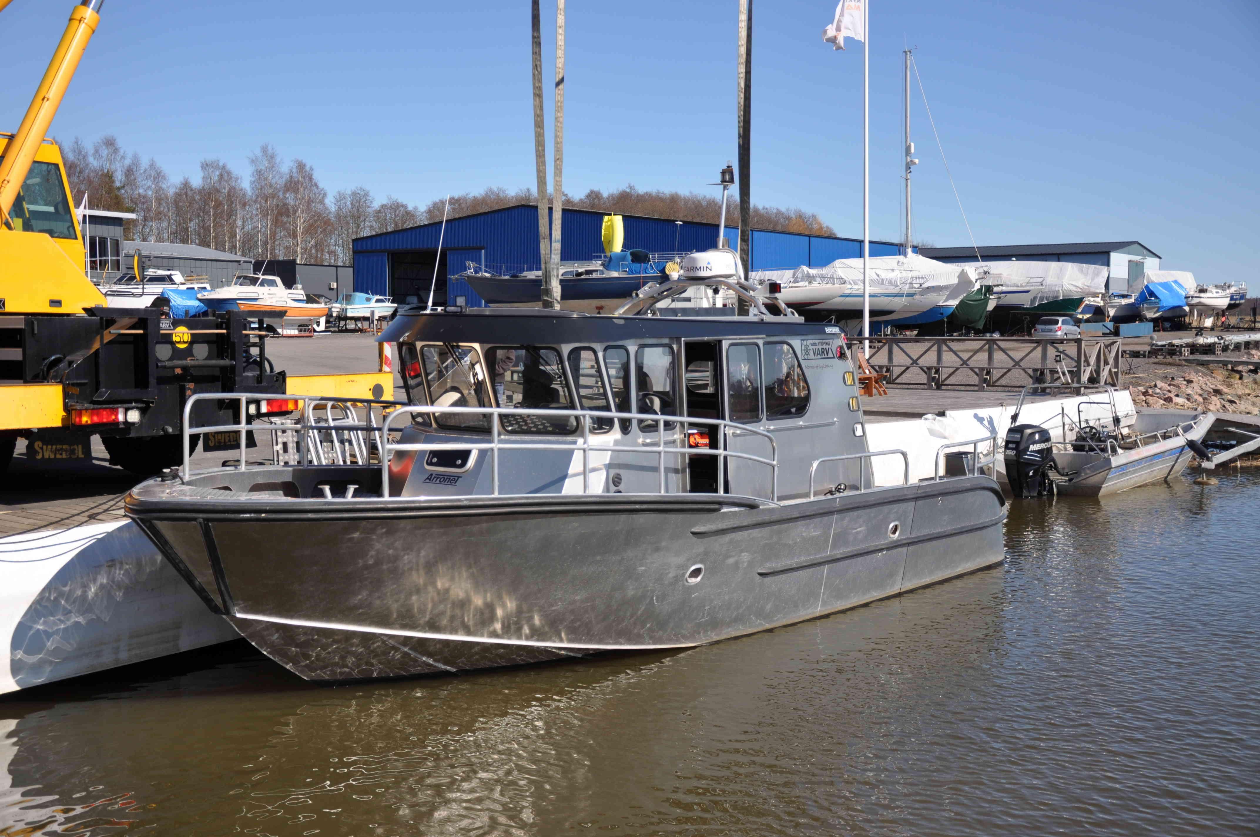 Sjösättning båt Nyköpings Marincentrum